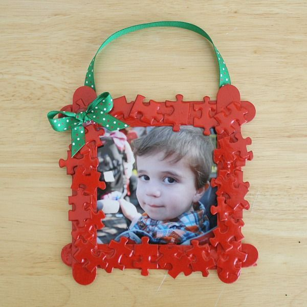 Christmas Crafts for Kids: Puzzle Piece Frame Homemade Christmas Ornament - Buggy and Buddy