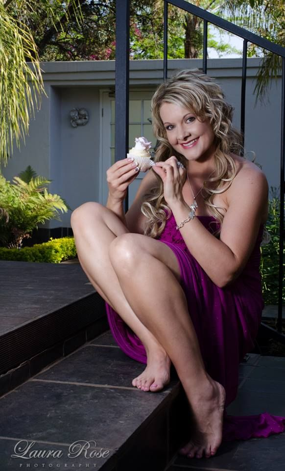 A sneak peek on the cupcake and boudoir photo shoot we did Sunday 5 Oct 2014. Can't wait to see the rest ;) This is me with one of the cupcakes I baked for the photo shoot.