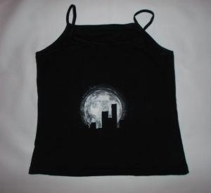 Koszulka lub bluzka ręcznie malowana - Księżyc