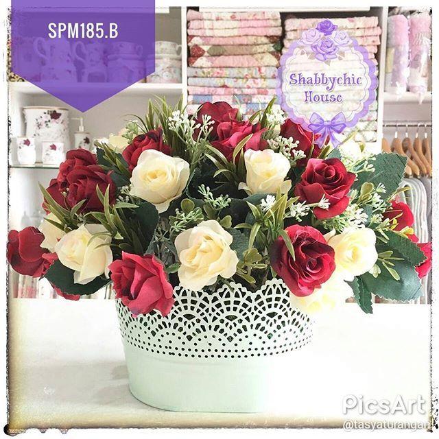 . SPM185.B Vas + Bunga Import Material Vas: Besi Size: P =35, L =31, T =25 Price: 295.000 . Shipping from Pekanbaru Katalog klik ➡️ #shabbystuff_SPM ---------------------------------------- Order/Ask: 💌 BBM: D0C923A1 (ask&order) 💌 WA: 08119223329 💌Line Official: @ftx1947k (pake @)(ask&order) Pilih salah satu kontak agar tidak double order Open: 9.00-21.00 (Malam Slow respon) ---------------------------------------- #jualbunga #jualmawar #jualmawarimpor #mawarimpor #pajanganbunga…