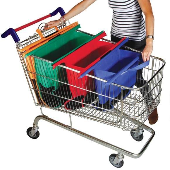 Um conjunto de sacolas reutilizáveis feito para ser usado em carrinhos de supermercado. Não tem muito mistério: as quatro sacolas ficam juntas por meio de uma tira de velcro e se ajustam ao corpo do carrinho de compras. Elas são utilizadas apenas após os produtos term passado pelo caixa. Basta puxar para que as sacolas se abram juntinhas.