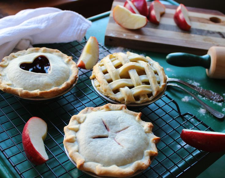 These mini pie plates make cute little pies to share with friends! & 21 best Hidden Quote Pie Plates images on Pinterest | Hiding quotes ...