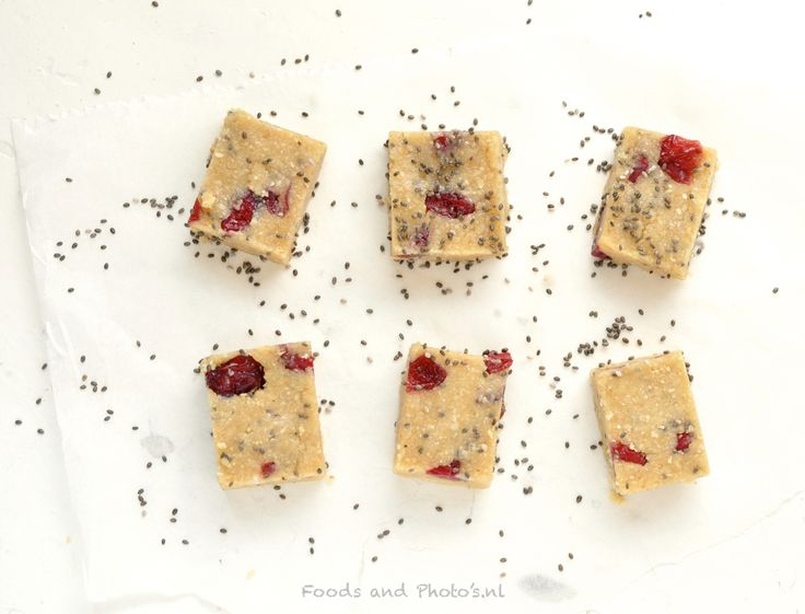"""""""Rauwe"""" koekjes met noten, havermout en chiazaadjes"""
