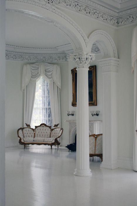 white.: French Interiors, Ceilings Details, Dream Homes, Winter White, Arches, Interiors Design, White Rooms, White Sofa, White Interiors