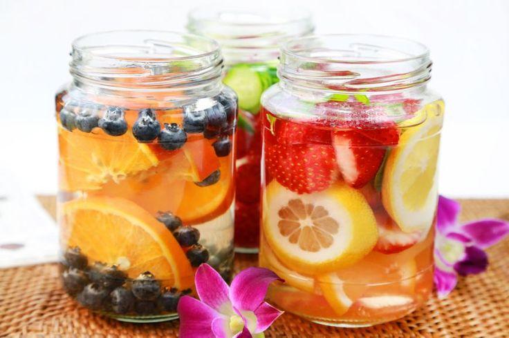 Nu poti sa bei 2 litri de apa pe zi? Iata 5 bauturi usor de preparat cu care sa te hidratezi pe timp de vara - foodstory.stirileprotv.ro