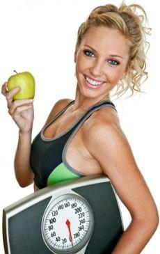 Voici 10 autres conseils pour perdre du poids encore plus vite: Mangez un petit déjeuner à haute teneur en protéines. Évitez les boissons sucrées et le jus de fruits. Buvez de l'eau une demi-heure avant les repas. Choisissez des aliments favorables à la perte de poids (voir liste). Mangez des fibres solubles. Boire du café ou du thé. Mangez principalement des aliments entiers et non transformés. Mangez votre nourriture lentement..
