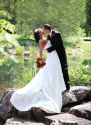 Weddings At the Devonian Botanic Garden
