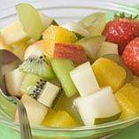 Fruktsallad - Recept http://www.dansukker.se/se/recept/fruktsallad-barnkalas.aspx Lite nyttigheter men lika gott ändå #barnkalas #fruktsallad