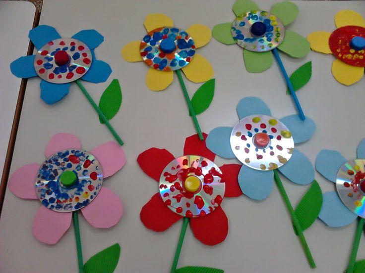 Το μαγικό κουτί της...Κατερίνας: Λουλουδάκια μην ξεχάσεις....την Παρασκευή να φέρεις :)