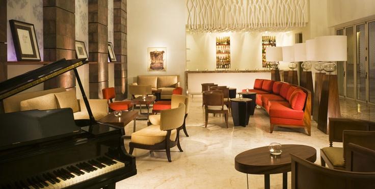 Beautiful Piano Bar!