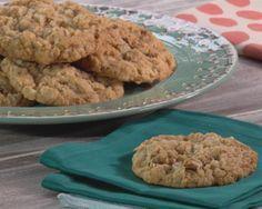 Mari's Homemade Oatmeal Cookies Recipe : Trisha Yearwood : Food Network - FoodNetwork.com