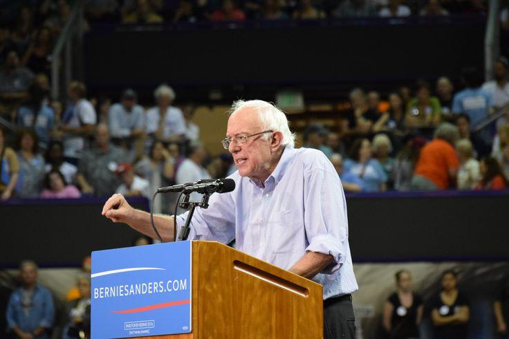 Sanders in Seattle in front of 12,000  (c) 2015 Shawn Porter