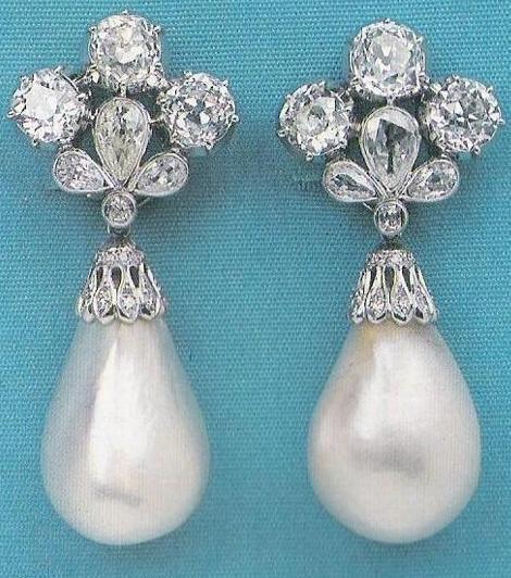 Diamonds and Pearl Earrings - smashing! jewelry pearl teardrop