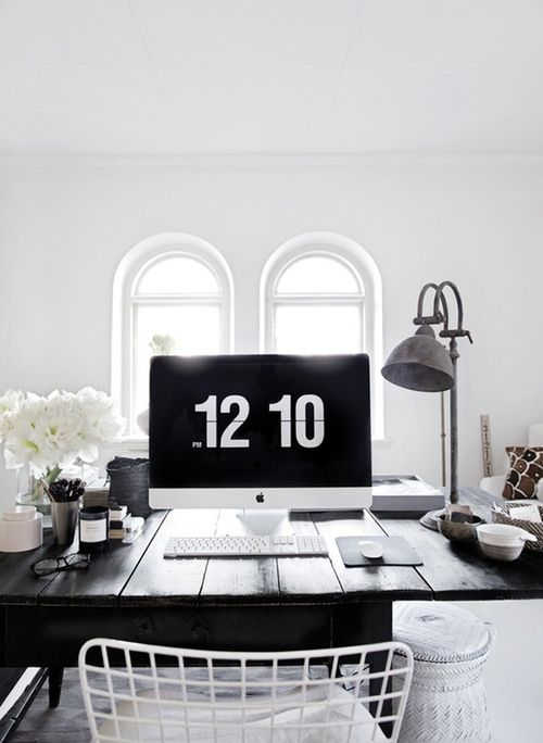 Minimal Stained Wood Topped DeskHome Interiors, Studios Offices, Black And White, Offices Spaces, Work Spaces, Interiors Design, Workspaces, Black White, Home Offices