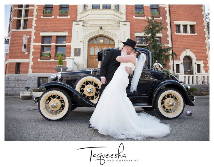 Kamloops wedding photographer, Photography by Taqueesha. Vintage wedding with vintage car. Old courthouse wedding.