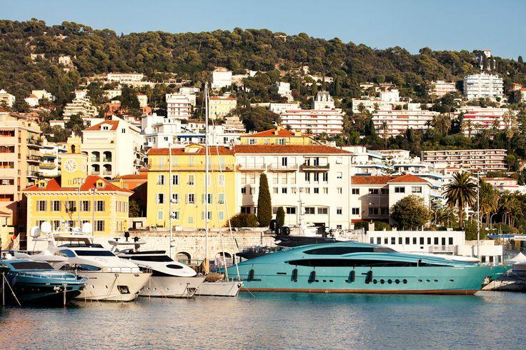 Nizza on Ranskan suurin turistipaikkakunta, aurinko paistaa lähes aina, ja ranta on keskellä kaupunkia. #nice #france #nizza #tjäreborg