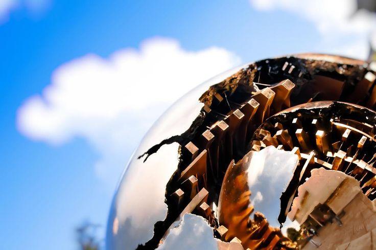 Sphere #sphere #architecture #arts #sunset #silhouette  #sun #dream #summer #autumn  #holiday  #vacancy #viaggiare #sunset  #nikon  #nikond90 #nikonitalia #twitter