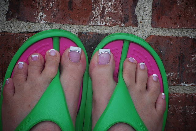 french pedicure toes | french pedicure acrylic toes with 12 diamonds on each big toe now that ...
