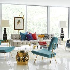 There is no better way to not feel alone if you are with your friends, and as such if you receive them at home you will want them to feel good. With these modern chairs, this is guaranteed. Be inspired by this designer Jonathan Adler. For more inspiration and news from interior designers visit our blog http://mdernchairs.eu