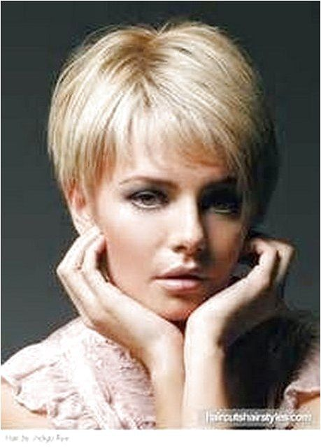 Short hairstyles for women over 50 with fine hair - click on the image or link for more details.