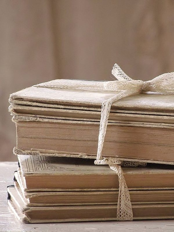 oude franse boekjes /old French books. SOLD
