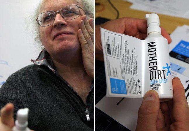 """Se você é um brasileiro apaixonado por banhos e limpeza, como qualquer outro, provavelmente já fez cara de nojinho quando descobriu que os franceses realmente não se banham todos os dias e que escovar os dentes ou entrar debaixo do chuveiro não é o forte dos ingleses. Imaginamos a sua cara, então, ao descobrir que o norte-americano David Whitlock, engenheiro químico do renomadoMIT, não vê água no corpo há nada menos que 12 anos. """"Ninguém fez testes clínicos com as pessoas que tomam banho…"""