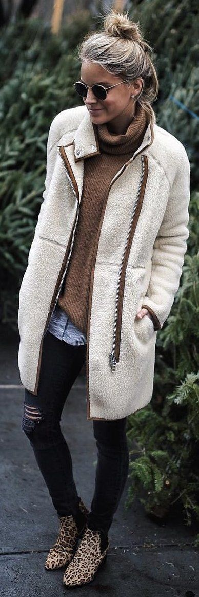 #winter #fashion /  White Coat / Brown Knit / Ripped Skinny Jeans / Leopard Booties