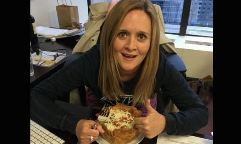 "Samantha Bee Mocks Trump's Taco Bowl Tweet - Donald Trump Taco, ""I Love Hispanics"" Tweet"