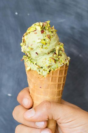 A no-churn super easy and guilt-free Pistachio Ice Cream Recipe to keep us cool during summer! You can eat A LOT of this without the guilt ;)