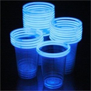glow in the dark bracelets on party cups...what a great idea!