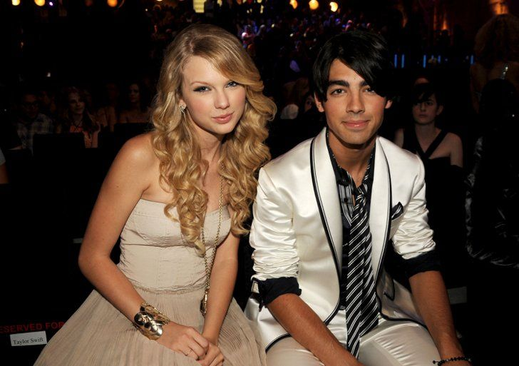 Pin for Later: A Sweet, Somewhat Hilarious History of Celebrity Couples at the MTV VMAs Taylor Swift and Joe Jonas, 2008