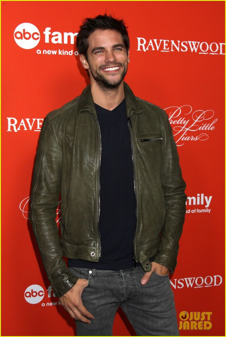 who is dating noel pll Noel kahn: noel has his beef  he was dating mona then mysteriously broke up with mona after hannah's surprise party for  analyzing a is a analysis blog about.