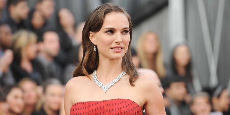 From James Franco to Cindy Crawford to Natalie Portman, meet the 30 smartest celebrities in Hollywood.