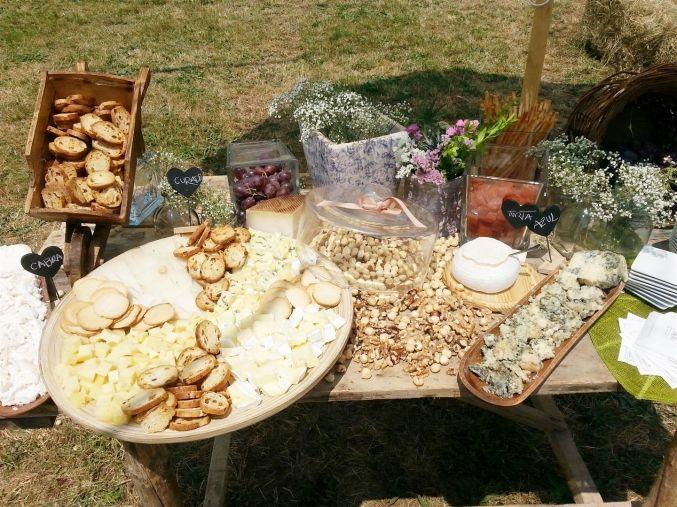 el sofa amarillo boda Burgos bodegon de quesos (2)