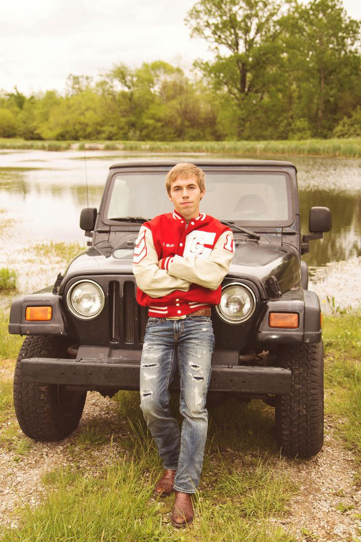 senior photography - high school senior photographer - indiana photographer - indianapolis, IN - jeep - letter jacket - lake - senior pictures - senior guy - senior boy TAKEN BY and COPYRIGHT FOR: www.triophotographyanddesign.com