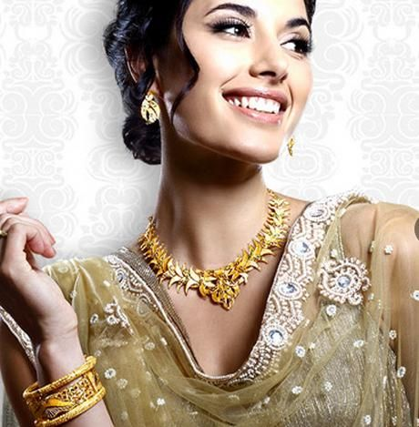 Nalli Jewellers (Chennai - India): Buying gold is a time-honored tradition, whether it is for a wedding, festival, birthday or anniversary. Whatever the occasion may be, the destination can only be Nalli Jewellers. For Store Details visit: http://www.myweddingbazaar.com/vendor.php?tpages=4&page=1&vendor_type=Jewellery