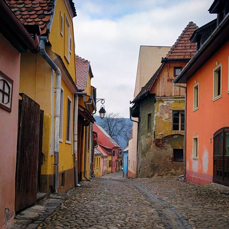 «#roaming the streets of different times and history  #sighisoara #instadaily»