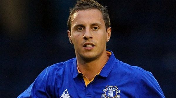 Everton captain Phil Jagielka facing two months out with knee injury - http://eplzone.com/everton-captain-phil-jagielka-facing-two-months-out-with-knee-injury/