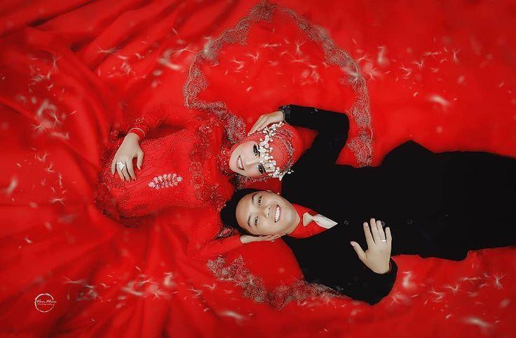 @fitriclaraasyifa MUA : @ina.marliani_new_mua #prewedding #prewedd @inspirasiprewedding_ #candidbooty #couples @foto_prewedding @instagram #instagood #instaprewedd #photography #photographer #vintageph #like #landscaper @prewedding_hijabi @inspirasi_prawed @foto_prewedding  #mood #beautiful @prewedding_hijabi #follow #preweddingphoto #folowme #follow @prewedding_hijab @prewedding_hijab
