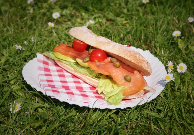 Delicious Salmon Baguettes with a mix of crème fraice and Heinz Mango Curry sauce! #picnic