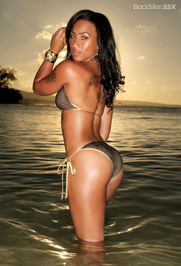 A nude picture of hoopz off flavor of love god, what