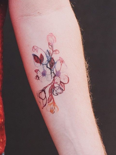 There are a lot of tattoo DON'Ts out there, but how about some little floral DOs