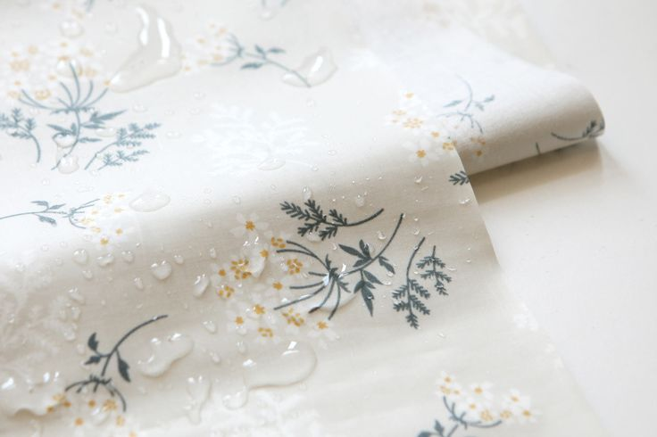 "1y+ Laminated Cotton Lace Flower 59""wide : Dailylike Canada by DailylikeCanada on Etsy"
