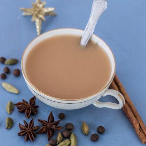 Forny julegodterne og julemaden med disse sunde og lækre versioner af klassiske juleretter. Find sunde juleopskrifter uden sukker og gluten her.