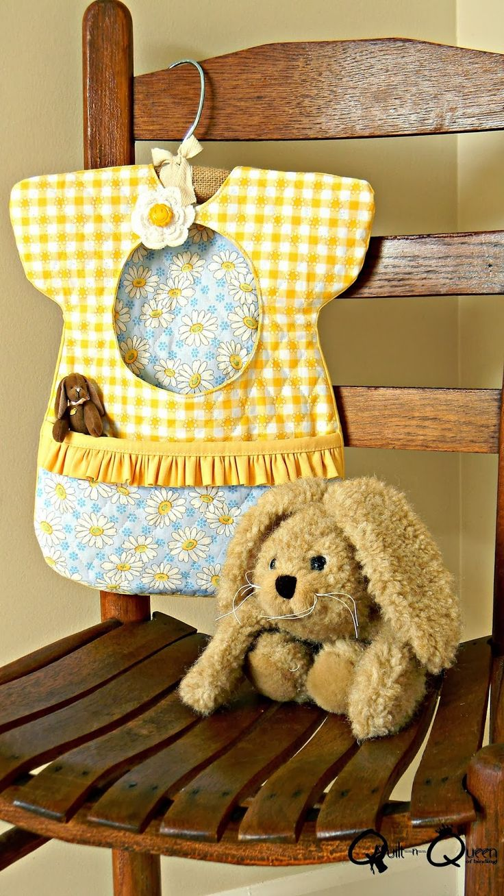 Quilt n Queen: Think Ruffles Blog Hop and a Giveaway