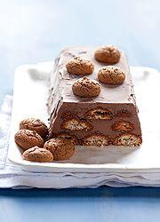 Csokis parfétorta Amaretto (azaz mandulás) keksszel - csak azt az 5-6 órát ne kellene a fagyasztóban töltenie...