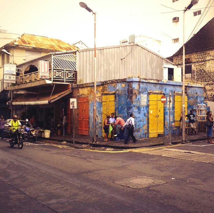 Vieille boutique, Port Louis, Ile Maurice. Old shop, Port Louis, Mauritius.