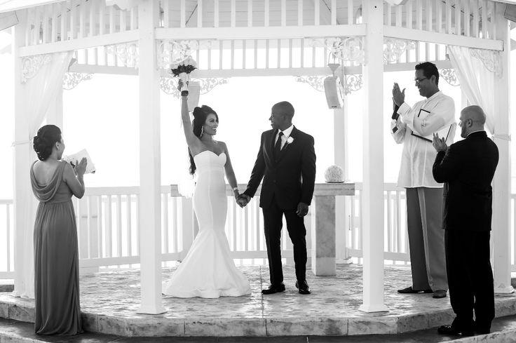 Beautiful gazebo wedding ceremony at Moon Palace Jamaica Grande #destinationwedding