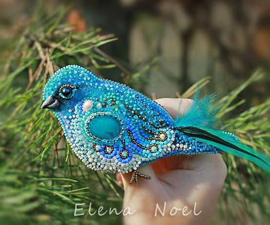 Blue bird Embroidered brooch