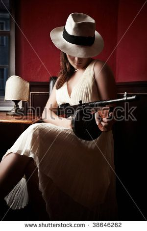 cc58727ec Mafia bride with hat holding a machine-gun | My wedding | Mafia ...